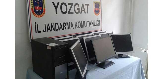 Okuldan bilgisayar çalan kişiler yakalandı