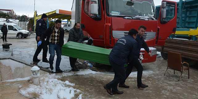 Rus tır şoförü aracında ölü bulundu