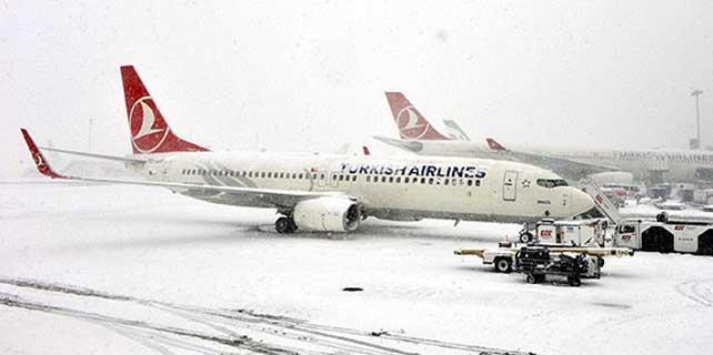 Tüm iç hat uçak seferleri iptal