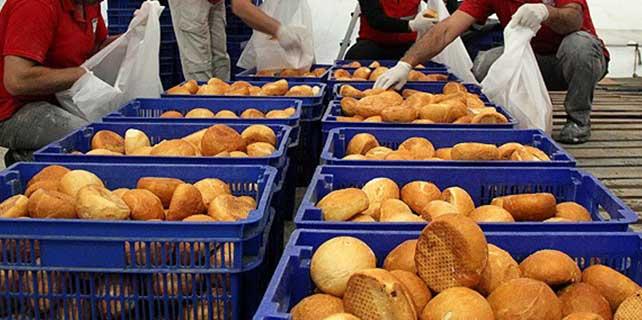 Türkmenlerin ekmeği Türk Kızılayı'ndan
