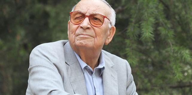 Yaşar Kemal Kimdir, Hayat, Eserleri Nelerdir ?