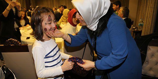 Aksaray'da koruyucu ailelere sertifikaları verildi
