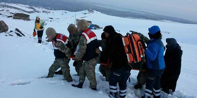 Avusturya Büyükelçiliği Müsteşarı, kayakta düşerek yaralandı