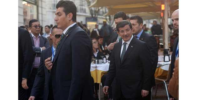 Başbakan Davutoğlu Portekiz'de