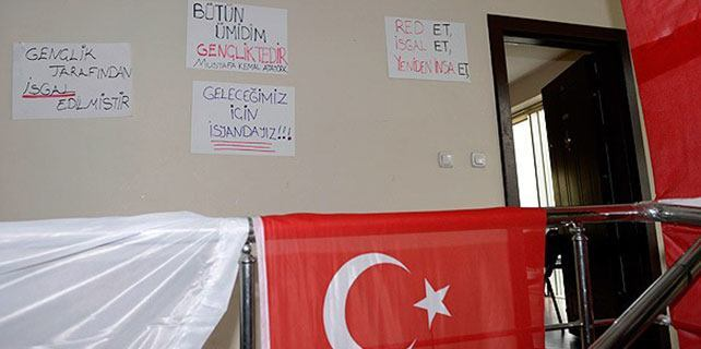 CHP'li gençlerin eylemi sona erdi