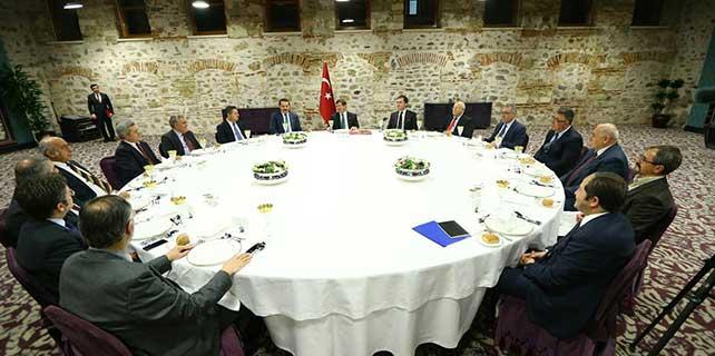 Davutoğlu, Alevi STK temsilcileriyle bir araya geldi