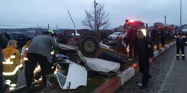 Denizli'de otomobil devrildi: 2 ölü, 5 yaralı