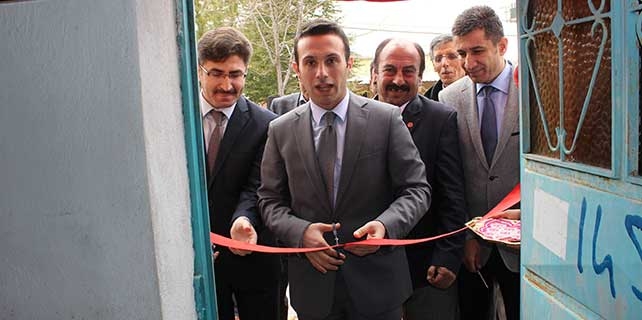 Emirgazi'de halı dokuma kursu açıldı