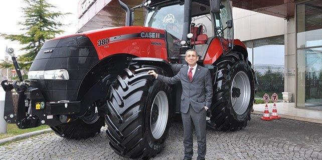 En büyük traktör Konya'da