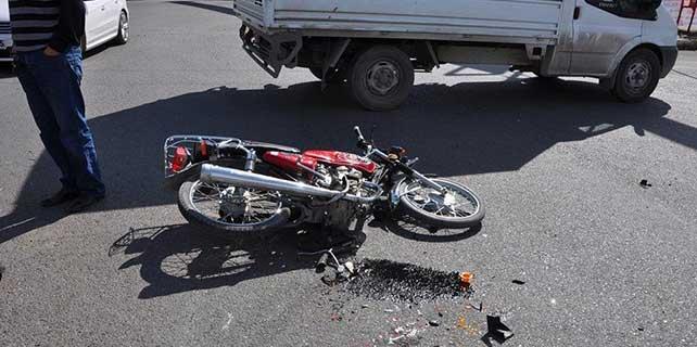 Hatay'da motosiklet kamyonete çarptı: 1 ölü