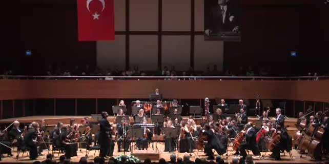 İzmir'de, Çanakkale Şehitlerini Anma Haftası konseri