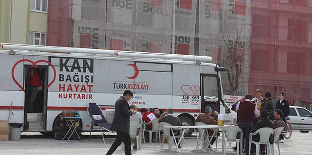Karapınar'da kan bağışı kampanyasına yoğun ilgi