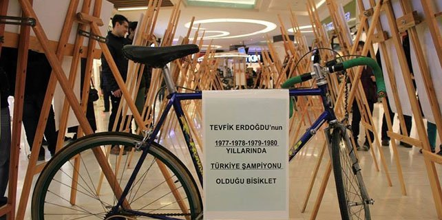 """Konya'da """"Bisikletle Her Yere"""" fotoğraf sergisi açıldı"""