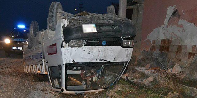 Konya'da pikap duvara çarptı:1 yaralı