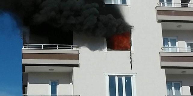Öğrenci evinde patlama: 2'si ağır, 3 yaralı