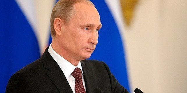 Putin maaşını düşürdü