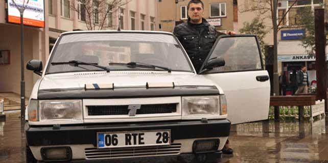 rte-plakali-94-model-arabaya-200-bin-lira-istiyor-2