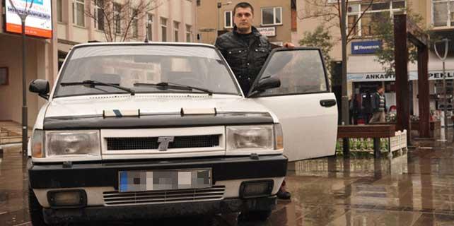 RTE plakalı 94 model arabaya 200 bin lira istiyor