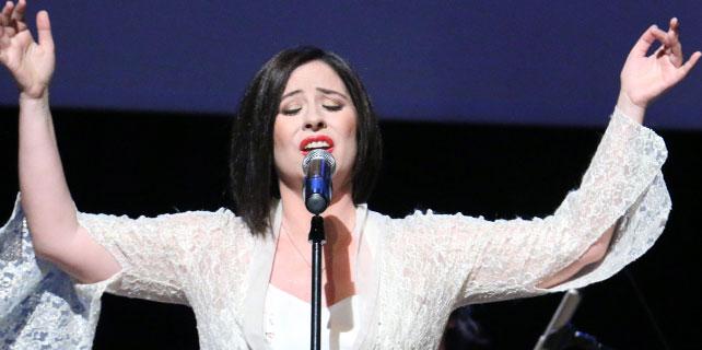 Seda Bağcan Beşiktaşta konser verdi
