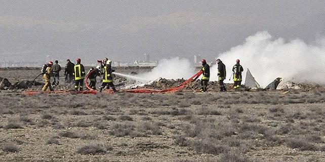 Şehit pilotun baba ocağına ateş düştü