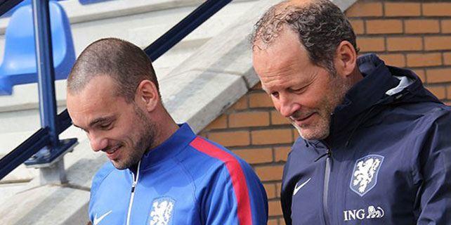 Sneijder Türkiye maçına kaptan olarak çıkacak