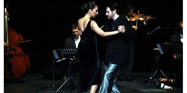 Ünlü tango orkestrası Eskişehir'de konser verdi