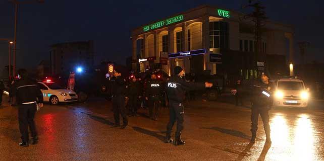 Van'da banka çalışanları rehin alındı