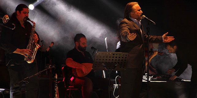Volkan Konak Kayseri'de konser verdi