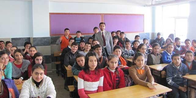"""Yerköy'de """"Gençlerle Başbaşa"""" programı"""