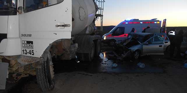Yozgat'ta otomobil ile kamyon çarpıştı: 4 yaralı