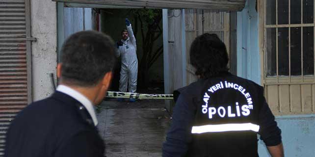 Adana'da yanmış erkek cesedi bulundu