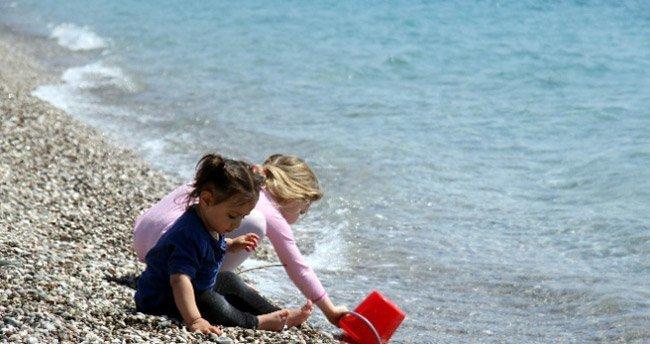 Antalya'da deniz sezonu açıldı