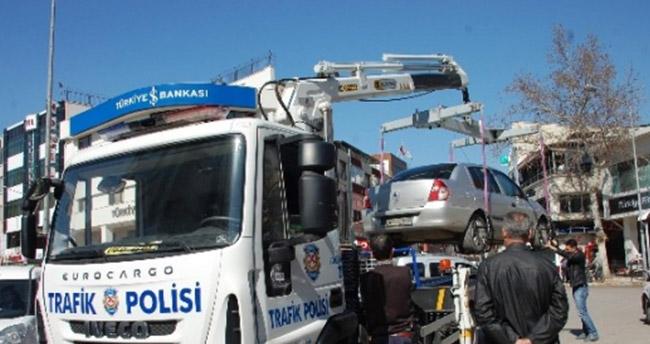 Araç çekicileri, tepe lambası ve siren kullanamayacak