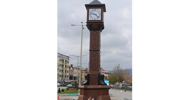 Beyşehir'e yapılan saat kulesi hizmete girdi