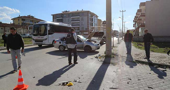 Bolu'da otomobiller çarpıştı: 1 ölü