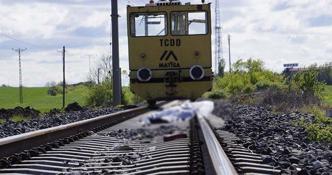 Edirne'de, demiryolu tamir aracı motosiklete çarptı: 1 ölü