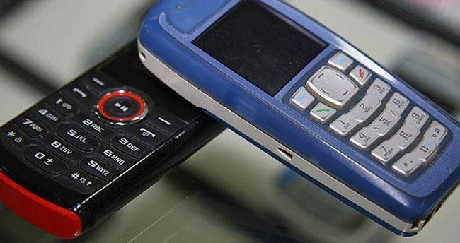 Eski model cep telefonları geri geliyor!