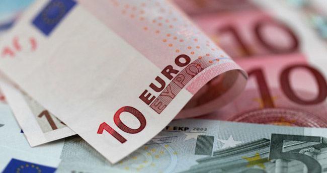 Euro 4 ayın zirvesinde