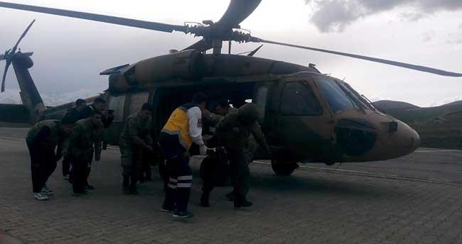 Hakkari'de yaralı çocuk askeri helikopterle hastaneye ulaştırıldı