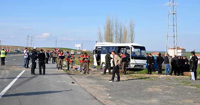 Kırıkkale'de kamyon ile cezaevi servis minibüsü çarpıştı: 1 ölü