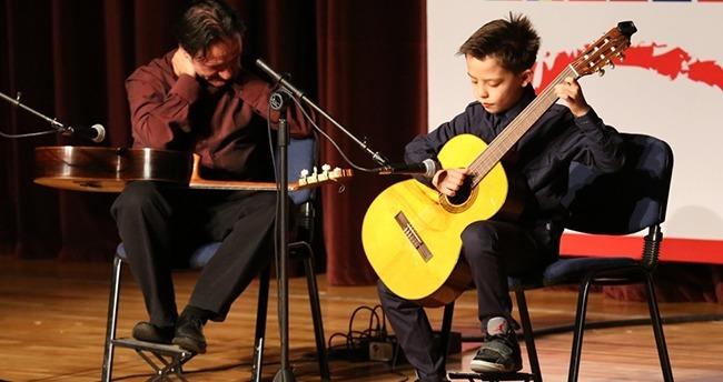 Klasik gitar yarışması Moyano ile başladı
