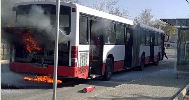 Konya'da belediye otobüsü yandı