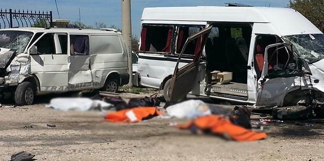 Konya'da feci kaza : 4 ölü, 11 yaralı
