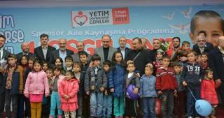 Konya'da hayırseverler yetimler için toplandı