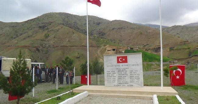 Kulp'ta şehit köy korucuları için anma töreni