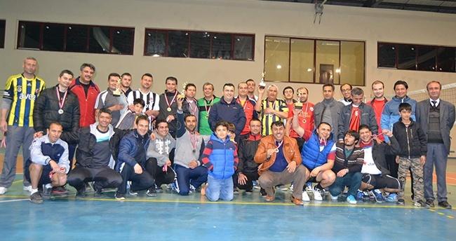 Kulu'da voleybol turnuvası