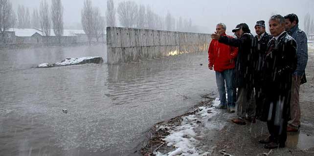Kura Nehri'ndeki taşkın