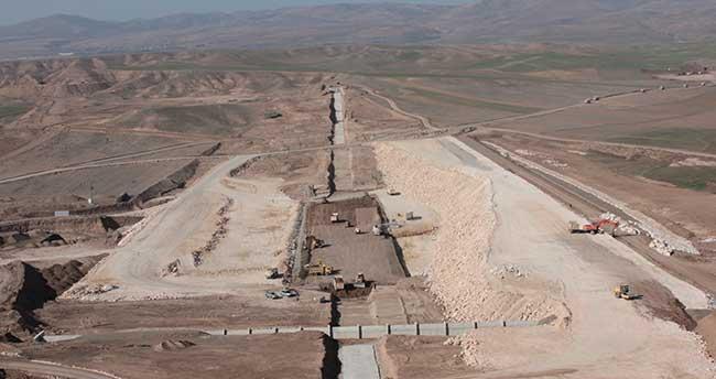 Nevruz Barajı'nın yapımı sürüyor