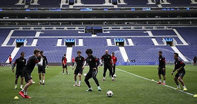 Porto yenilgisinin faturası sağlık ekibine çıktı