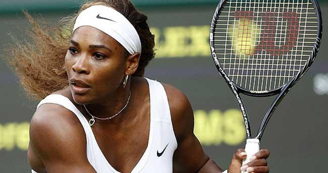 Serena Williams zirveyi bırakmıyor